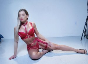 Coralyne escort girl in Santa Fe
