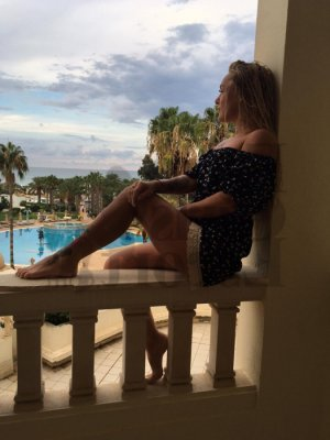 Stassy escort girls in Tarpon Springs