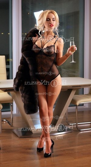 Minea live escort in Westwood New Jersey