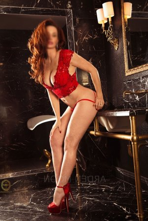 Milene escort girls in Savannah